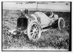 Stutz wrecked - Indianapolis (LOC)