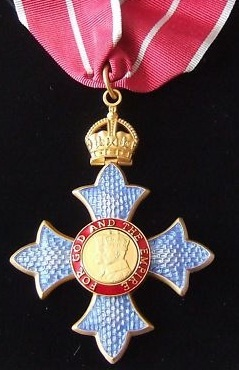 Neck badge of a Commander of the Military Division of the Order of the British Empire